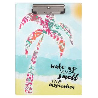 Pranchetas acorde e cheire a inspiração, a praia e a palma