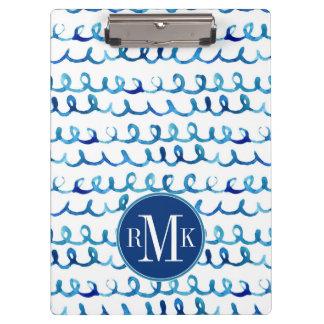 Pranchetas Teste padrão ondulado da aguarela azul pintado mão