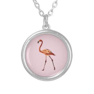 Prata do flamingo chapeada em volta da colar