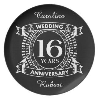 Prato 16o aniversário de casamento preto e branco