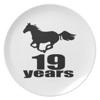 Prato 19 anos de design do aniversário