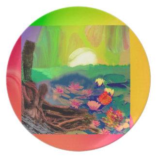 Prato As bolas de tênis apareceram entre lírios na lagoa