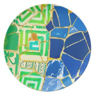 Prato Azulejos verdes de Parc Guell na espanha de