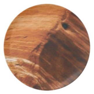 Prato borda mergulhada da rocha