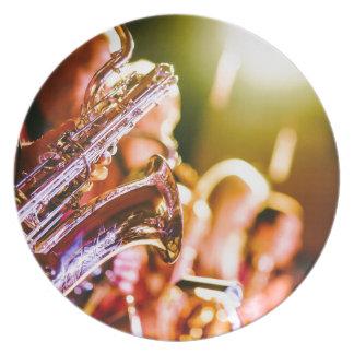 Prato Chifres dos saxofones dos instrumentos musicais da