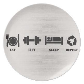 Prato Coma, levante, durma, repita - a placa de comensal