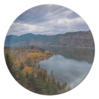 Prato Cor da queda ao longo do desfiladeiro Oregon do
