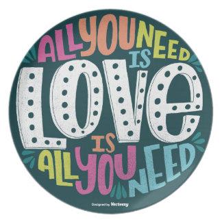 PRATO DE FESTA 0032-ALL-YOU-NEED-IS-LOVE-01