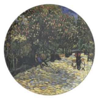 Prato De Festa Avenida com as árvores de castanha em Arles - Van