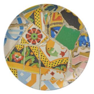 Prato De Festa Azulejos amarelos de Parc Guell na espanha de