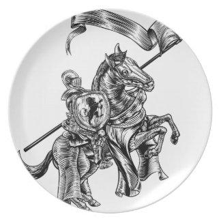 Prato De Festa Cavaleiro medieval no estilo do Woodcut do vintage
