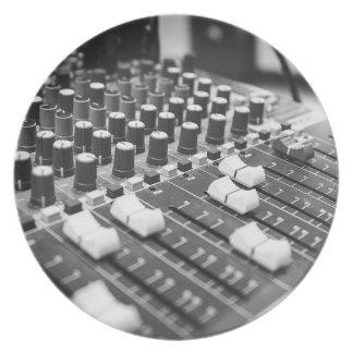 Prato De Festa Console branco preto preto e branco audio do