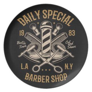 Prato De Festa Corte e Shave especiais diários da barbearia