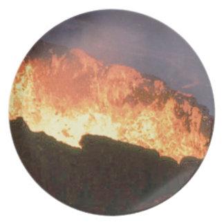 Prato De Festa fulgor do fogo vulcânico