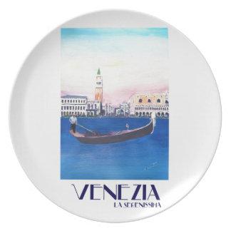 Prato De Festa Gôndola de Veneza Italia no canal grande com San