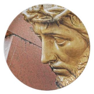 Prato De Festa Jesus que leva a cruz