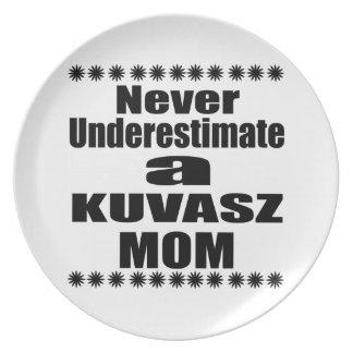 Prato De Festa Nunca subestime a mamã de KUVASZ