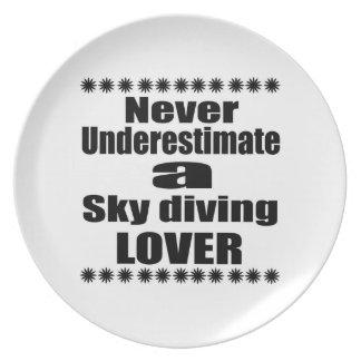 Prato De Festa Nunca subestime o amante do mergulho de céu