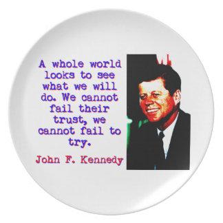 Prato De Festa Olhares inteiros de um mundo - John Kennedy