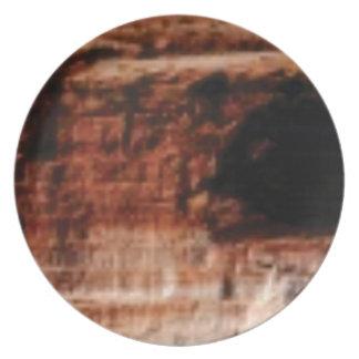 Prato De Festa penhascos vermelhos mergulhados da rocha