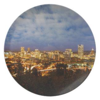Prato De Festa Portland OU arquitectura da cidade na hora azul