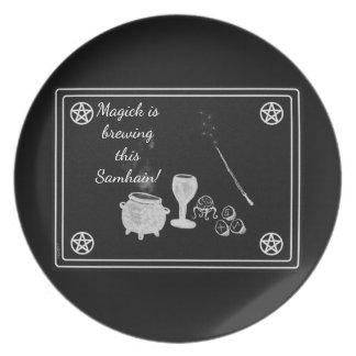 Prato De Festa Samhain Magick utiliza ferramentas preto e branco