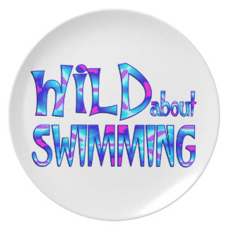 Prato De Festa Selvagem sobre a natação
