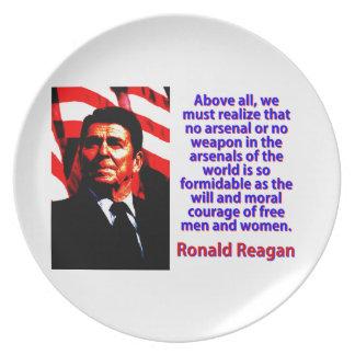 Prato De Festa Sobretudo nós devemos realizar - Ronald Reagan