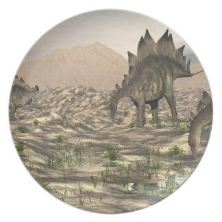 Prato De Festa Stegosaurus perto da água - 3D rendem