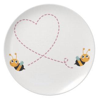 Prato De Festa T-shirt dos DESENHISTAS com abelhas do amor