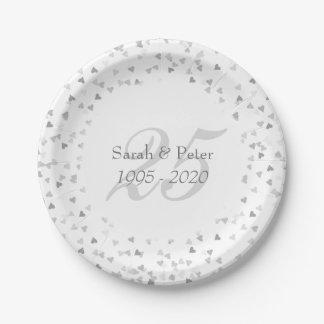 Prato De Papel 25o Confetes dos corações da prata do aniversário