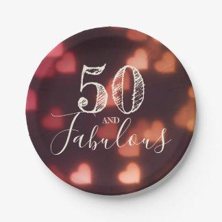 Prato De Papel 50 e fabuloso. Aniversário. Corações vermelhos