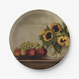Prato De Papel Ainda vida, girassóis no vaso, fruta na bacia