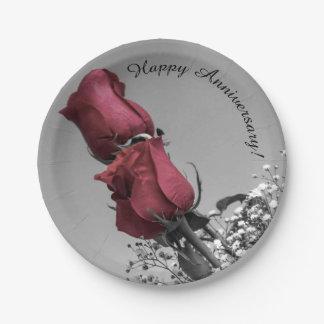 Prato De Papel Aniversário feliz espirrado vermelho da fotografia