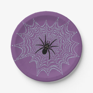 Prato De Papel Aranha de cruz na rede com gotas de orvalho como