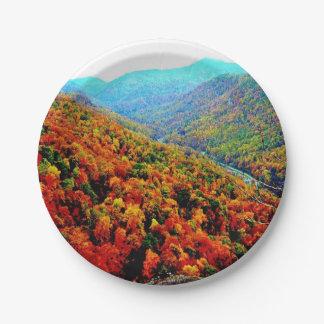 Prato De Papel Através das montanhas