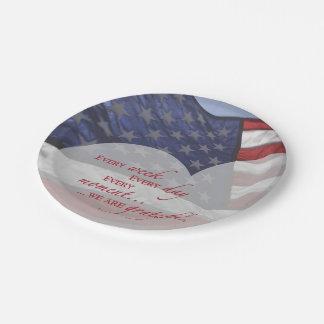 Prato De Papel Bandeira patriótica do coração, apreciação militar