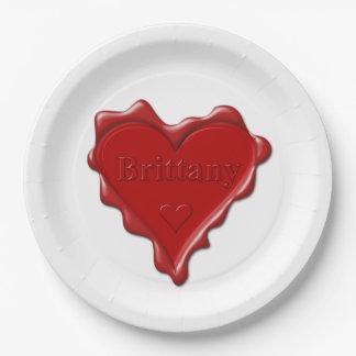Prato De Papel Brittany. Selo vermelho da cera do coração com