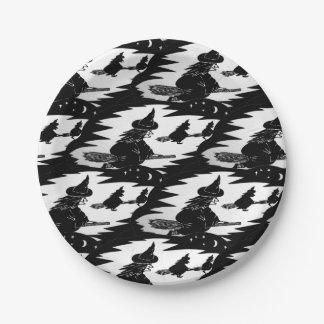Prato De Papel bruxas assustadores do vôo em broomsticks o Dia