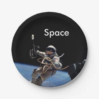 Prato De Papel Caminhada do espaço do astronauta