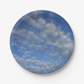 Prato De Papel Céu nebuloso