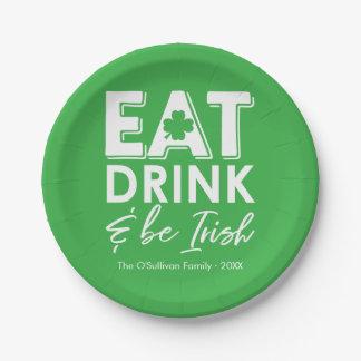 Prato De Papel Coma, bebida & seja o dia de St Patrick irlandês