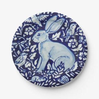 Prato De Papel Do jardim branco do coelho dos azuis cobaltos de