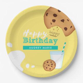Prato De Papel Feliz aniversario dos biscoitos do leite e dos