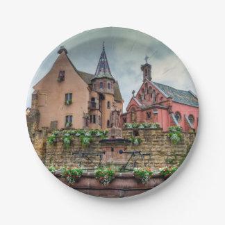 Prato De Papel Fonte de Santo-Leon em Eguisheim, Alsácia, France