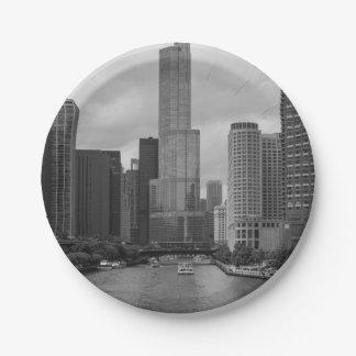 Prato De Papel Grayscale de Chicago River da torre do trunfo