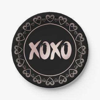Prato De Papel Os corações femininos cor-de-rosa do preto | de