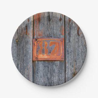 Prato De Papel _Oxidado da foto do no. 87 do número da casa do