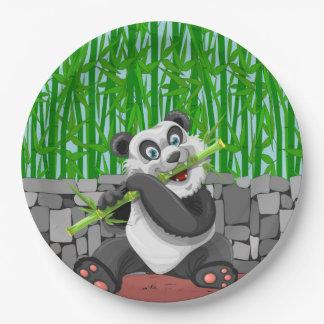 Prato De Papel Panda que mastiga nos tiros de bambu