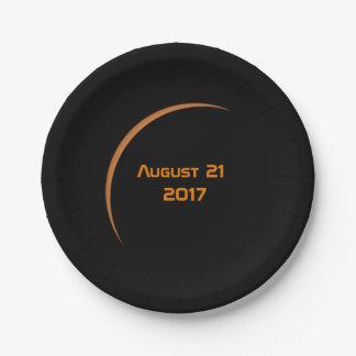 Prato De Papel Perto do eclipse solar parcial do 21 de agosto de